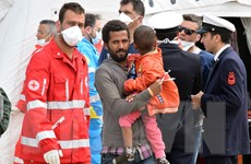 Hải quân Italy lại vừa cứu sống thêm gần 600 người di cư