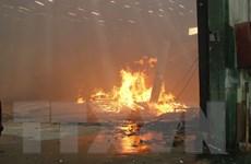 Bình Dương: Cháy lớn tại công ty gỗ, gần 500m2 xưởng bị thiêu rụi