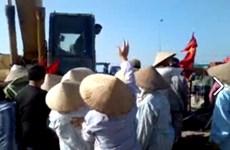 Không có việc máy xúc cán chết người dân biểu tình tại Hải Dương