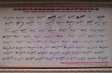 Bộ sưu tập 79 chữ ký của Chủ tịch Hồ Chí Minh thời kỳ 1945-1969