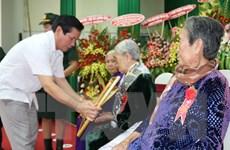 Phong tặng và truy tặng danh hiệu Bà mẹ Việt Nam Anh hùng