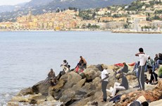 Italy xóa một trại tị nạn bất hợp pháp gần biên giới với Pháp