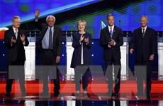 Bà Clinton, ông Sanders là tâm điểm cuộc tranh luận của đảng Dân chủ