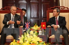 Thống đốc Nguyễn Văn Bình tiếp Cựu Thủ tướng Anh Tony Blair