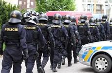 Cảnh sát và binh sỹ Séc tới Slovenia giúp bảo vệ biên giới