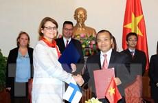 Đề nghị Phần Lan tiến tới miễn thị thực cho công dân Việt Nam