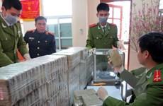 Bắt giữ 5 người Lào vận chuyển 60 bánh heroin vào Việt Nam