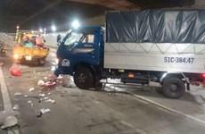 Xe tải tông 5 nhân viên vệ sinh hầm Thủ Thiêm, 1 người chết