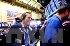 """Chỉ số Dow Jones và S&P 500 tạo """"đỉnh"""" của năm 2016"""