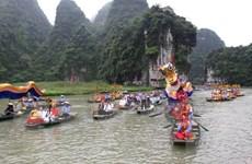 Tưng bừng lễ hội truyền thống Tràng An-Ninh Bình 2016