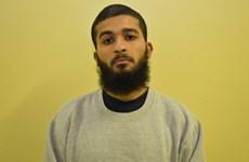 """Nhân viên an ninh vào tù vì gửi """"hàng nghìn tin nhắn"""" ngợi ca IS"""