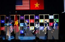 Ông Obama giao lưu với cộng đồng doanh nghiệp trẻ tại TP.HCM