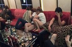"""Kiểm tra quán karaoke, phát hiện hàng chục """"dân chơi"""" dùng ma túy"""