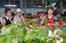 Rau xanh và thịt tươi tại các chợ truyền thống tăng giá nhẹ