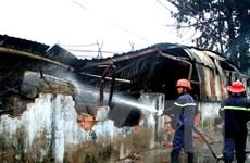 Cháy nhà máy sản xuất đồ chơi, hàng trăm công nhân tháo chạy