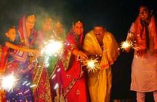 Tưng bừng lễ hội ánh sáng của người Ấn Độ giữa lòng Hà Nội