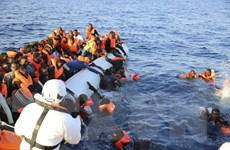 Italy giải cứu hơn 2.200 người di cư trên biển Địa Trung Hải