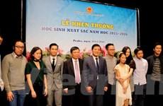 Thế hệ trẻ người Việt tại Séc tiếp nối truyền thống tôn sư trọng đạo