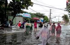 Cảnh báo lũ lớn kéo dài, ngập lụt sâu từ Quảng Nam đến Phú Yên
