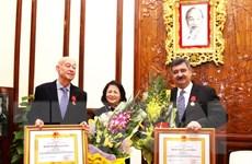 Trao tặng Huân chương Lao động tặng Chủ tịch Làng trẻ em SOS quốc tế