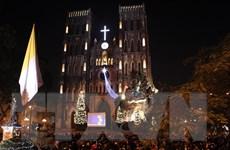 Không khí Giáng sinh ngập tràn trên khắp phố phường Thủ đô