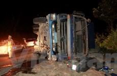 Lâm Đồng: Lật xe chở đá trên khúc cua tử thần làm 1 người chết