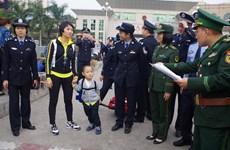 TP.HCM: Bị thầy phong thủy lừa bán con trai sang Trung Quốc