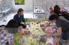 Chăm sóc y tế, đảm bảo quyền học tập cho trẻ bị ảnh hưởng bởi AIDS