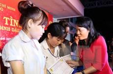 Chăm lo Tết cho công nhân: Bài 2 - Những tấm vé đoàn viên