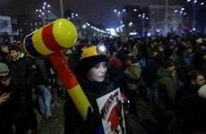 Romania: Biểu tình lớn phản đối ân xá chính trị gia tham nhũng