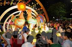 Các điểm vui chơi thu hút đông đảo người dân TP.HCM du Xuân