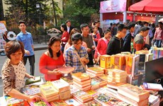 Hà Nội: Doanh thu Phố sách Xuân Đinh Dậu 2017 đạt trên 7 tỷ đồng