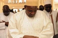 Gambia bắt giữ một binh sỹ tại thánh đường Tổng thống đang cầu nguyện