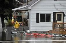 Ba con đê vỡ liên tiếp, thành phố Montreal ban bố tình trạng khẩn cấp