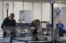Mỹ-EU thảo luận về lệnh cấm mang thiết bị điện tử trên máy bay