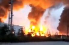 Nổ lớn gây hỏa hoạn tại nhà máy hóa dầu ở miền Đông Trung Quốc