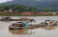 Phú Yên: Đua nhau hút cát trên sông Ba để bán ra ngoài tỉnh