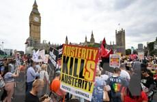 Biểu tình rầm rộ phản đối Chính phủ thiểu số Bảo thủ tại London