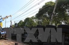 Lâm Đồng: Lật xe container trên đèo Bảo Lộc, tài xế thoát chết