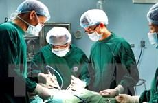 Gắp nội soi thành công cho bệnh nhân kẹt hàm răng giả trong thực quản
