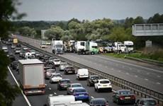 Tai nạn đường bộ nghiêm trọng tại Anh khiến 12 người thương vong