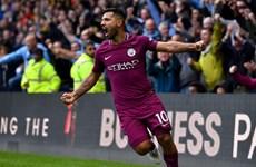 Quên Man United đi, Man City mới hay nhất Premier League