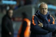 """Arjen Robben chia tay đội tuyển, """"Cơn lốc màu da cam"""" nay đã tan"""