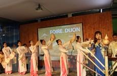 Lung linh sắc màu văn hóa Việt Nam tại miền Đông nước Pháp