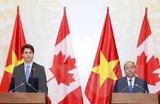 Thủ tướng Nguyễn Xuân Phúc và Thủ tướng Canada chủ trì họp báo
