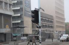 Quân đội Zimbabwe giam giữ tổng thống, phu nhân và kiểm soát thủ đô