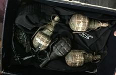 Truy tố đối tượng mua bán ma túy dùng lựu đạn chống đối cảnh sát
