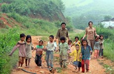 Gần 1/3 trẻ em dân tộc thiểu số dưới 5 tuổi bị suy dinh dưỡng thấp còi