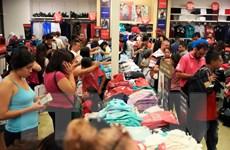 Doanh số bán lẻ tại Mỹ dịp nghỉ lễ tăng mạnh nhất sáu năm qua
