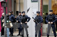 Pháp cam kết mạnh tay trấn áp tội phạm sau vụ tấn công cảnh sát